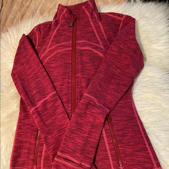 Magenta/pink LULULEMON zip up activewear sweater